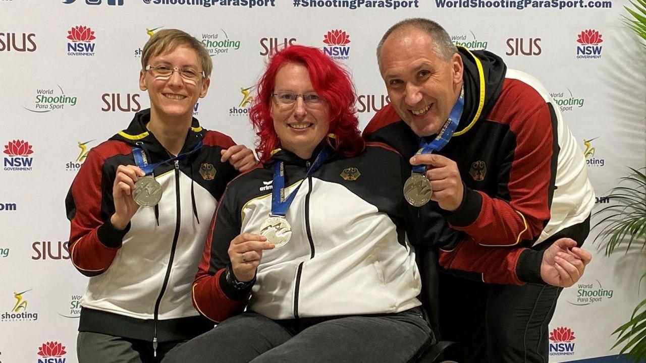 Foto: DSB / Natascha Hiltrop, Elke Seeliger und Bernhard Fenn gewannen Silber und Bronze im Team.