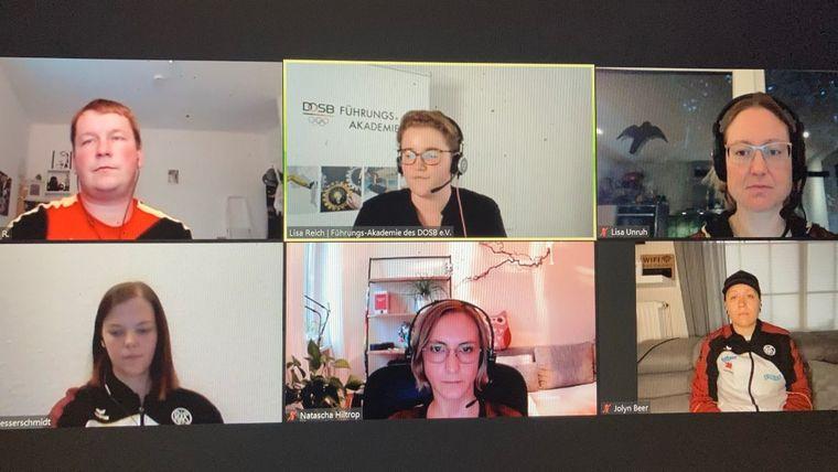 Foto: DSB: Christian Reitz, Lisa Unruh, Jolyn Beer, Natascha Hiltrop und Nadine Messerschmidt (v.l. im Uhrzeigersinn) standen Moderatorin Lisa Reich (oben Mitte) von der Führungsakademie Rede und Antwort.