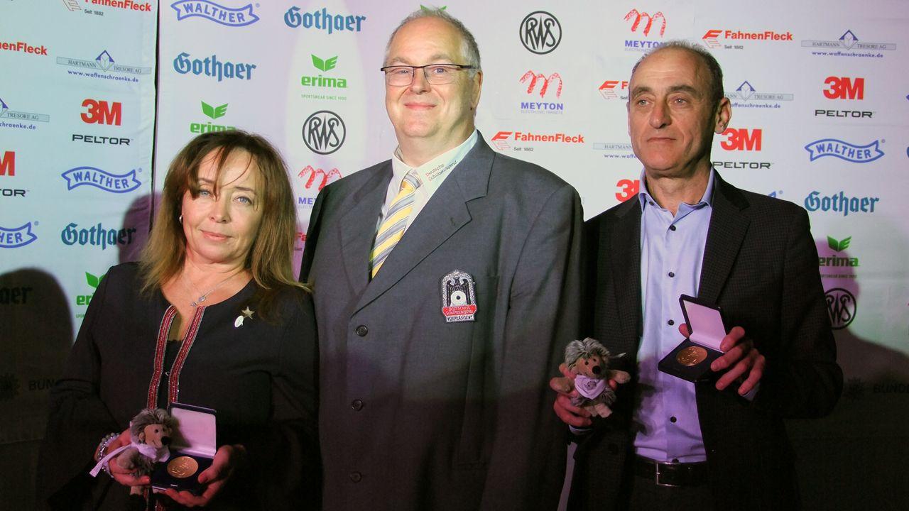 Foto: Michael Eisert / Besuch des ISSF-Generalsekretärs Alexander Ratner und Anna Leshchikova, Mitglied des Verwaltungsrates des Weltschießsportverbandes beim Junioren Weltcup in Suhl.