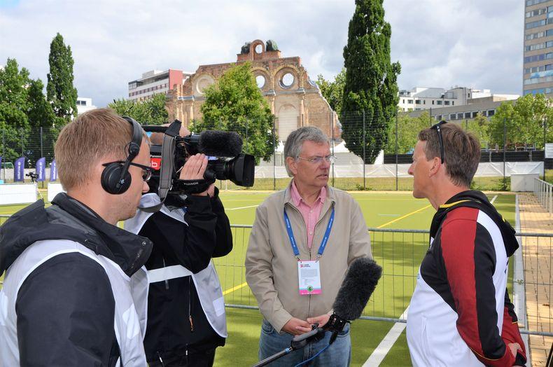 Foto: Eckhard Frerichs / Bundestrainer Oliver Haidn stand der ARD Rede und Antwort.