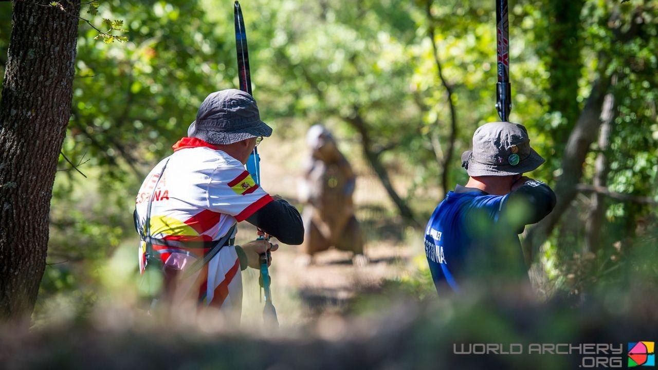 Foto: World Archery / In der Natur auf Ringe-Jagd - das ist 3D-Bogenschießen.