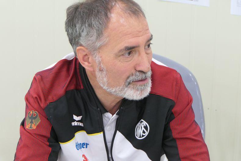 Foto: DSB / Sportdirektor Heiner Gabelmann findet lobende Worte für die Entwicklung des Bogensports.