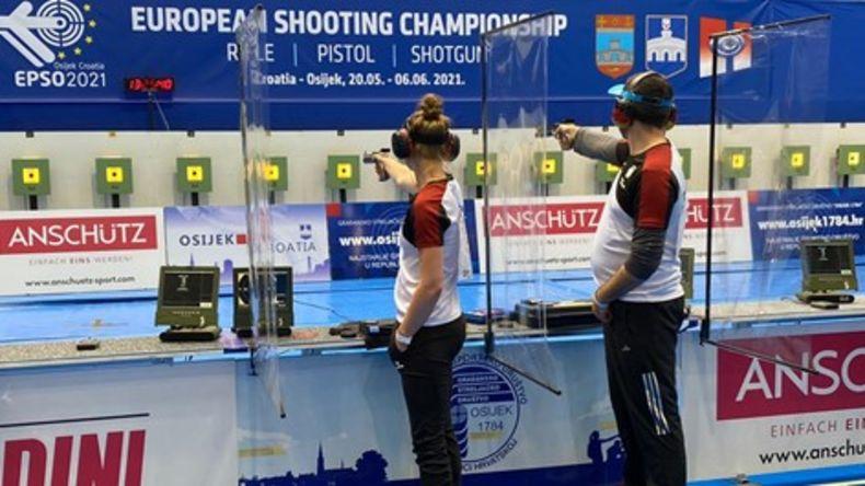 Foto: DSB / Platz acht für Carina Wimmer und Michael Heise im Mixed mit der Luftpistole.
