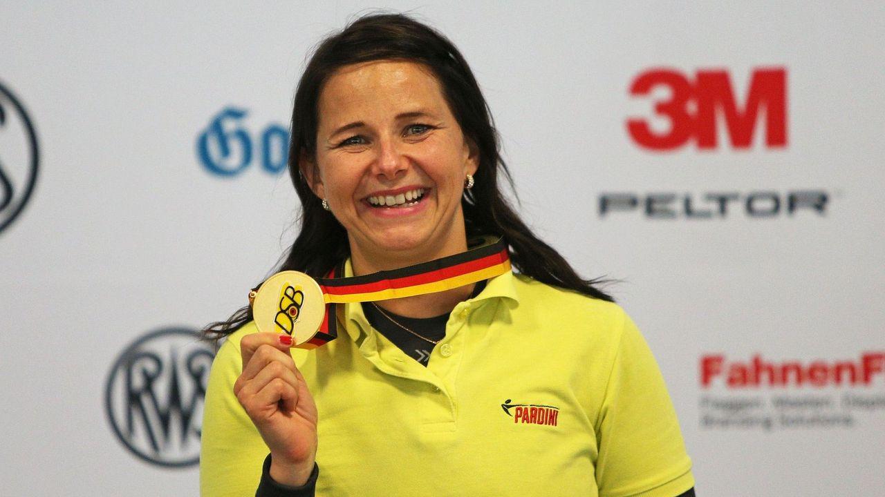 Foto: Florian Wüst / Monika Karsch - Mit einem Weltklasseresultat von 37 Treffern im Finale zum Sieg!