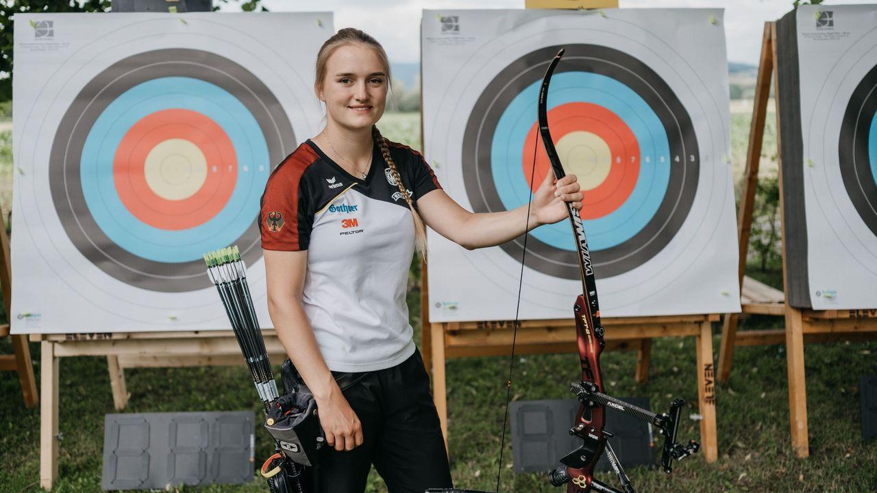 Foto: DSB / Der Bogensport ist für Charline Schwarz seit ihrer Kindheit die ganz große Leidenschaft.