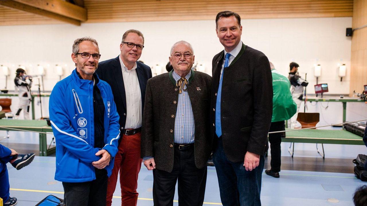 Foto: DSB / v.l.: BSSB-Sportdirektor Jan Erik Aeply, DSB-Bundesgeschäftsführer Jörg Brokamp, DSB-Vizepräsident Wolfgang Kink und der parlamentarische Staatssekretär Stephan Mayer.