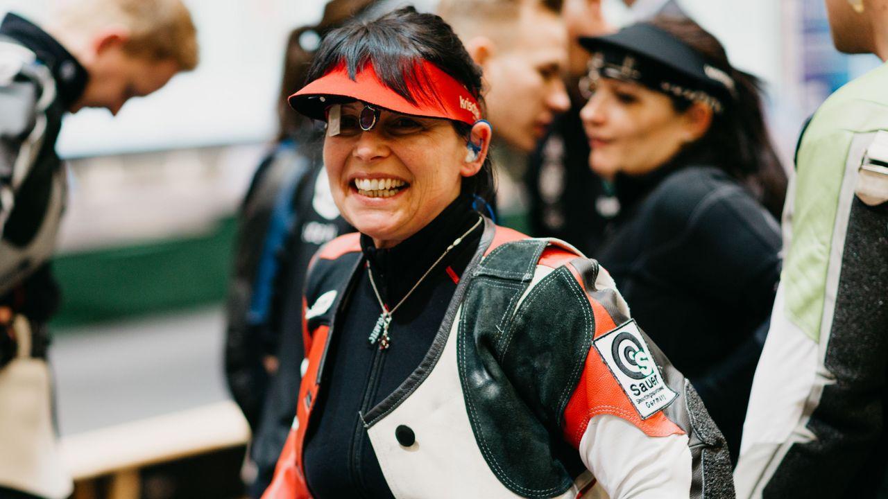 Foto: DSB / Sonja Pfeilschifter freut sich, wenn sie es den Nationalkader-Athleten zeigen kann.