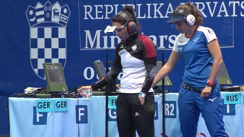 Foto: DSB / Monika Karsch vs. Mathilde Lamolle im Finale bei der EM in Osijek.