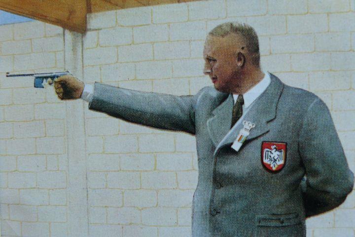 Olympische Spiele Cornelius van Oyen, Gold Schnellfeuerpistole, 1936