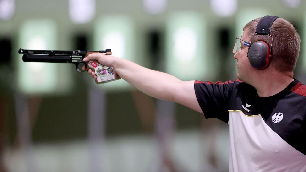 Foto: Picture Alliance / Auch mit der Luftpistole auf Weltklasse-Niveau: Christian Reitz.